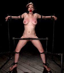 Slave on the punishment wrack