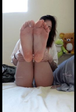 Asian cutie teen soles