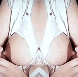 Breastfeeding Rhythms nursing Breast milk nipple الثدي وهالة الحلمة ولونها الوردي الداكن والحلمة الزهرية البارزة الرضاعة الطبيعية هو الثدي