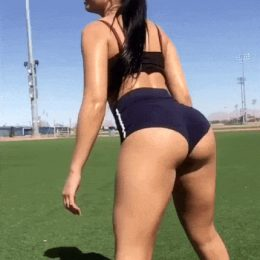 Madison Ginley shaking her ass