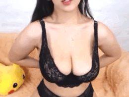 Mei_Tin – Taking Off The Bra