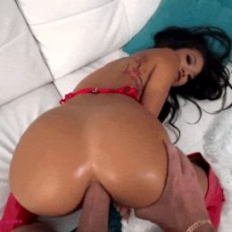 """""""When the host of the party says you have a great ass, you fucking bend over and let him have a go with it."""""""