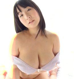Rui Kiriyama (LCBD-01061)